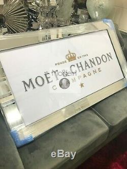 White 3D Moet and Chandon mirrored Picture, Picture with 3d Sparkle Detail