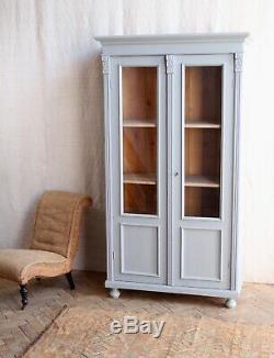 Anciennes Peint En Gris Larder Linge De Presse Cabinet De Verre Armoire Armoire