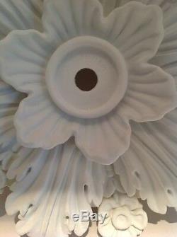 Anthropologie Home Decor Cartouche - Plafond Blanc Avec Médaillon Vendu 328,00 $