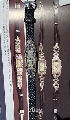 Antique Art Déco European Diamond Blue Sapphire Platinum Tonneau Watch Années 1920