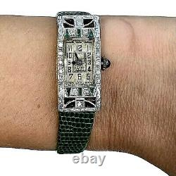 Antique Art Déco European Diamond Emerald Sapphire Platinum Tonneau Montre 1920s