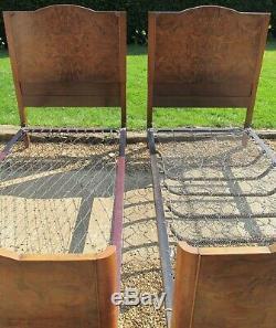 Antique Paire De Art Déco Ronce De Noyer Simple 3ft Large Lits Avec Des Bases De Printemps