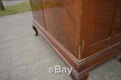 Armoire Antique Figured En Noyer Plaqué Queen Anne Legs