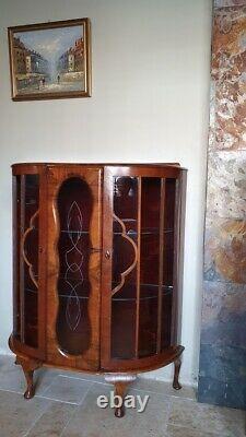 Armoire D'affichage En Vieux Verre