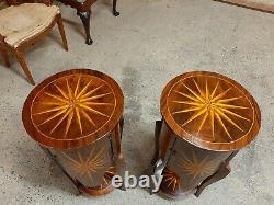 Belle Paire De Tables De Chevet Incrustées Vintage / Tables De Chevet En Bon État