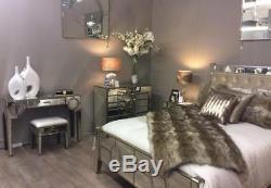Commode À Buffet De Luxe Avec Miroirs De Style Art Déco Et Bordure Dorée
