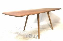 Grand Vintage Milieu Du Siècle Ercol Plank Top Hêtre Clair / Elm Windsor Table À Manger