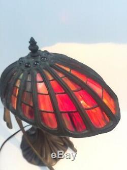 Lady Volant Figural Art Déco Nouveau Femme De Style Tiffany Stain Verre Ailes Lampe