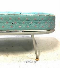 Lit En Métal Simple / Lit D'appoint Ernest Race Style Vintage Des Années 1950 Au Milieu Du Siècle