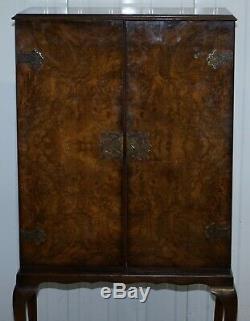 Lovely Vintage Circa 1930 Art Deco Ronce De Noyer Boisson Verre Cabinet Mis En Veilleuse
