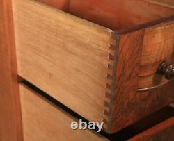 Paire Anglaise Antique De Coffres De Chevet En Noyer Figurés Art Déco Tables De Chevet