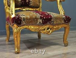 Paire Attrayante De Grandes Chaises De Bras Rembourrées Dorées En Or Doré De Modèle Rococo