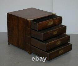 Paire De Circa 1900 Anglo Indian Military Campaign Chests Of Drawers Tables Latérales