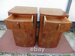 Paire De L'art Deco De Noix Avant De Chevet Bow, Tables, Cabinets Lari Années 1920 Circa