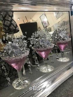 Photo En Miroir D'art De Paillettes 3d En Verre Rose De Cocktail, Image De 3 Verres À Cocktail