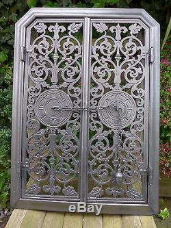 Portes Ajourées En Fonte, Beau Design Unique, Style Art Déco De La Grille De Feu Rare