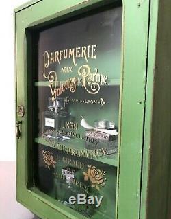 Réorientés Art Déco Salle De Bains, Vitrine. Graphics Bouteille Purfume Français