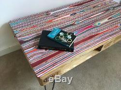Rétro Upcycled Récupéré Table Basse Palette Avec Des Pieds En Épingle À Cheveux Industriels