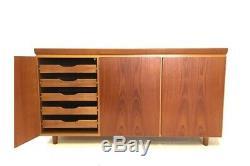 Rétro Vintage Du Milieu Des Années 1960 Danois Teck Minimaliste Skovby 5ft Sideboard (b)