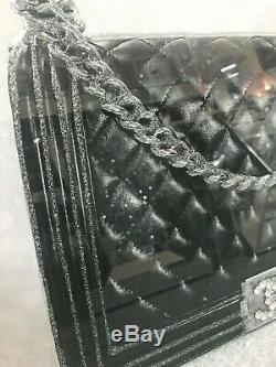 Sac Extra Large Designer, Chaussures Et Parfum D'image 3d Avec Cadre En Miroir