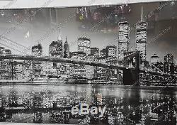 Skyline De New York En Noir Et Blanc Avec Cristaux, Œuvres D'art Liquides Et Cadre De Miroir Biseauté
