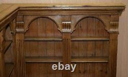 Superbe Vintage Circa 1950's Solid English Pine Corner Bookcase Ornately Carved
