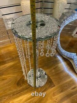 Table Latérale En Verre De Cristal Écrasée Avec La Table Décorative De Boules Suspendues 62cmtall