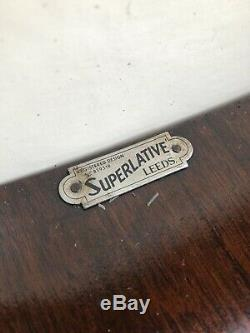 Très Rare Art Déco Noyer Vitrine Mint Condition Seldom Seen