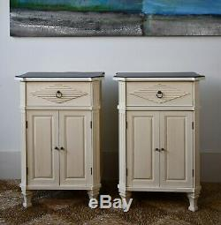Une Paire De Vintage Suédoise Gustavien Style Nordique Lit Tables D'appoint Lampe Cabinet