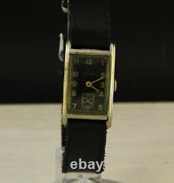 Vintage Art Déco Enregistrement 1940 Montre-bracelet Fabriqué En Suisse Cadran Noir