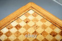 Vintage Burr, Burl Et Naturel Noyer Chess Table Avec Tiroir Simple Et Pièces