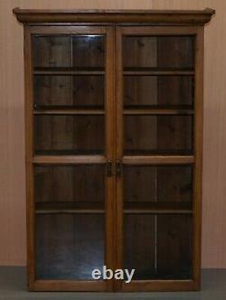 Vintage Restauré En Verre Massif En Verre Doored Bibliothèque Bibliothèque Également Cabinet Suspendu