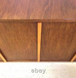 Vintage Rétro MID Century Danois Ère 1960 Compact Teck Sideboard Lp Cabinet (a)